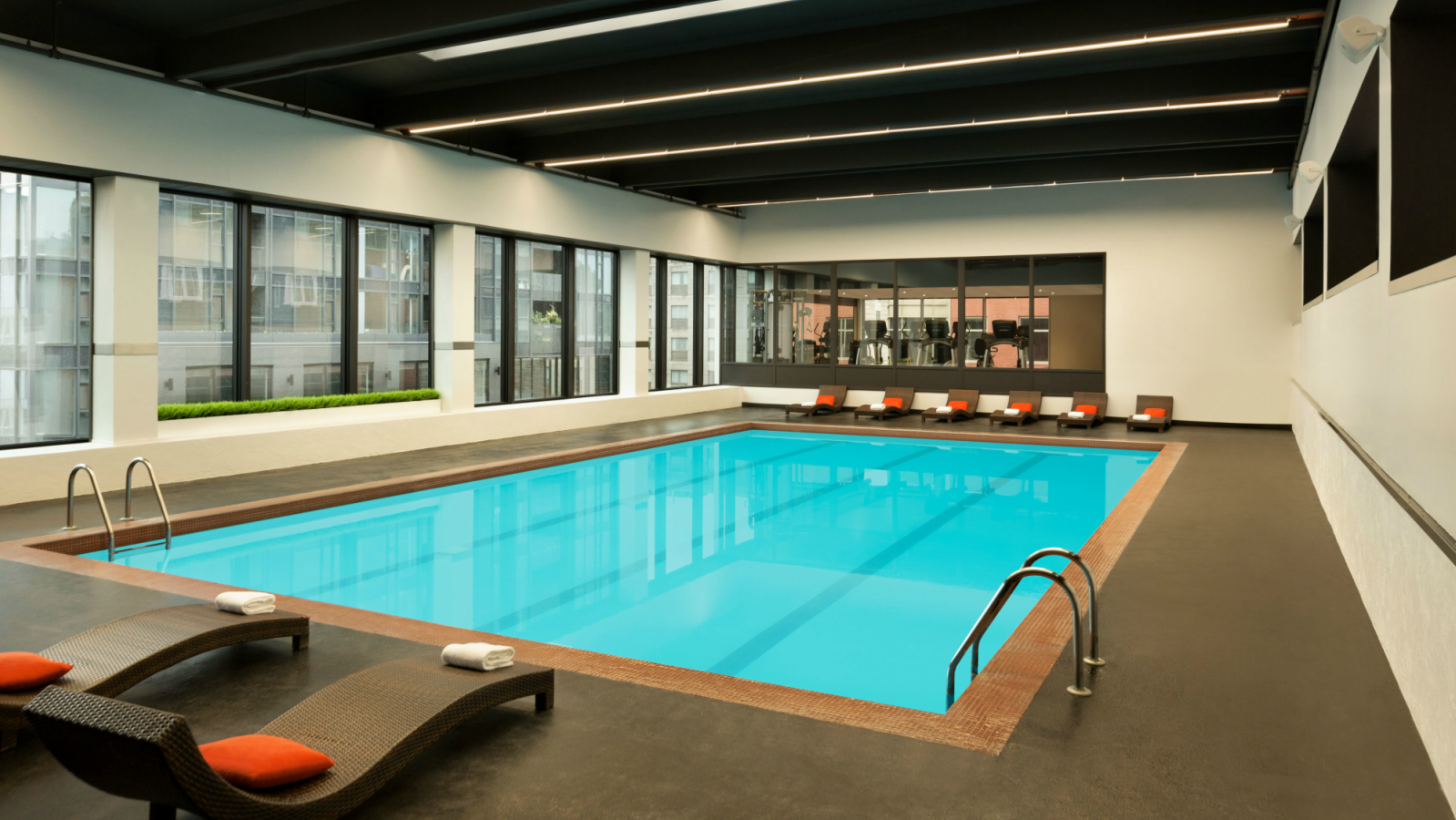 Indoor Heated Pool | Hotel PUR, Quebec, a Tribute Portfolio Hotel